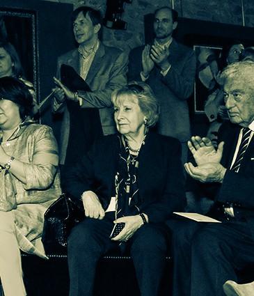 9'.  de gauche Ö droite Mme  Zhanar S. Aitzhanova, ambassadrice du Kazakhstan en Suisse, Mme XÇnia Karcevski,  Dr. Broussalian et Mme Dominique Varenne