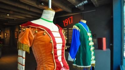 L'exposition « 1917, Pheonix russe en Occident » met en valeur des costumes de danseurs d'époque des Ballets Russes