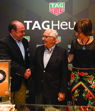 7367_tag_heuer_boutique_ge_globetrotter_sep17_simeon