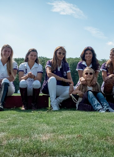 2 - Ann Meier, Candice de Montrichard et Justine Caux, Yasmine LuginbÅhl, Marine LuginbÅhl, Gabriella Gaynor.