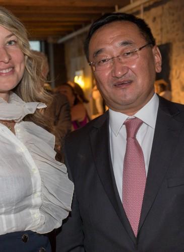 6. Sofia Komarova et l'Ambassadeur de Mongolie Lundeg Purevesuren (2502)__2502