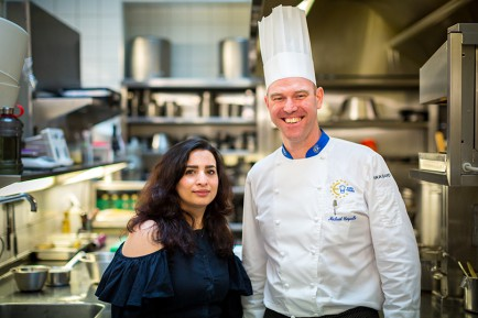 Jenan Hamza, Syrienne, rencontre l'équipe de l'Hôtel d'Angleterre, Refugee Food Festival 2019