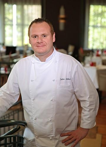 Julien Schillaci, Chef Executif